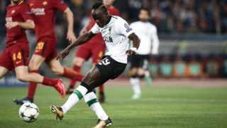 Liverpool's Senegalese midfielder Sadio Mane scores a goal during the UEFA Champions League semi-final second leg football match between AS Roma and Liverpool at the Olympic Stadium in Rome on May 2, 2018. / AFP PHOTO / Isabella BONOTTO