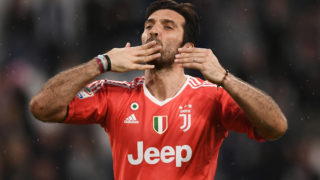 (FILES) In this file photo taken on April 15, 2018 Juventus' goalkeeper Gianluigi Buffon celebrates at the end of the Italian Serie A football match between Juventus and Sampdoria at Allianz Stadium in Turin. Juventus goalkeeper Gianluigi Buffon announced on May 17, 2018 that he will leave the Turin giants after 17 years. / AFP PHOTO / MARCO BERTORELLO