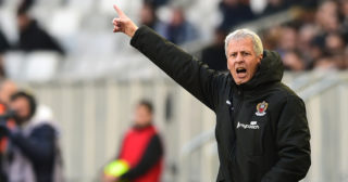 (FILES) In this file photo taken on February 25, 2018 Nice's Swiss head coach Lucien Favre gestures during the French L1 football match between Bordeaux (FCGB) and Nice in Bordeaux, southwestern France.  German football club Borussia Dortmund named Lucien Favre as new head coach on May 22, 2018. / AFP PHOTO / NICOLAS TUCAT