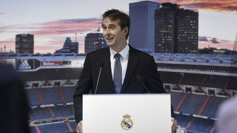 Real Madrid´s newly appointed coach Julen Lopetegui gives a speech during his official presentation at the Santiago Bernabeu stadium in Madrid on June 14, 2018. Just a day after he was sacked on the eve of the World Cup, former Spain coach Julen Lopetegui arrived in Madrid to be officially presented as Real Madrid's new manager. / AFP PHOTO / OSCAR DEL POZO