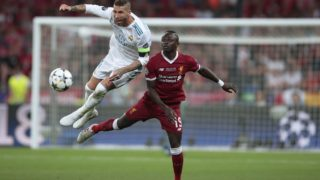 5512996 26.05.2018 Sergio Ramos from Real Madrid FC (Madrid, Spain), left, and Sadio Mane from Liverpool FC (Liverpool, England) during the 2017-2018 UEFA Champions League final match. Denis Tyrin / Sputnik