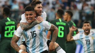 26 June 2018, Russia, Moscow: Soccer, World Cup 2018, Preliminary round, Group D, 3rd game day, Nigeria vs Argentina at the St. Petersburg Stadium: Argentina's goal scorer Marcos Rojo celebrates his 1-2 goal with Lionel Messi (top). Photo: Cezaro De Luca/dpa