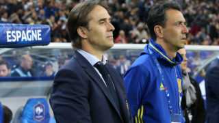 PARIS, FRANCE - MARCH 28: Coach of Spain Julen Lopetegui and assistant coach Pablo Sanz during the international friendly match between France and Spain between France and Spain at Stade de France on March 28, 2017 in Saint-Denis near Paris, France. (Photo by Jean Catuffe/Getty Images)