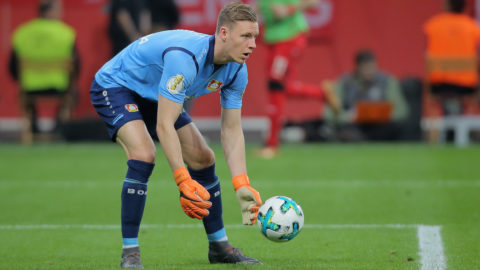 LEVERKUSEN, GERMANY - APRIL 17: Goalkeeper Bernd Leno of Leverkusen controls the ball during the DFB Cup semi final match between Bayer 04 Leverkusen and Bayern Munchen at BayArena on April 17, 2018 in Leverkusen, Germany. (Photo by TF-Images/Getty Images)