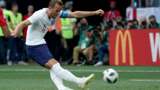 NIZHNY NOVGOROD, RUSSIA - JUNE 24:  Harry Kane of England scores his 1st penalty during the 2018 FIFA World Cup Russia group G match between England and Panama at Nizhny Novgorod Stadium on June 24, 2018 in Nizhny Novgorod, Russia.  (Photo by Allsport Co./Getty Images)
