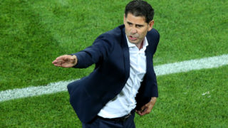KALININGRAD, RUSSIA - JUNE 25:  Fernando Hierro, Head coach of Spain gives his team instructions during the 2018 FIFA World Cup Russia group B match between Spain and Morocco at Kaliningrad Stadium on June 25, 2018 in Kaliningrad, Russia.  (Photo by Alex Livesey/Getty Images)