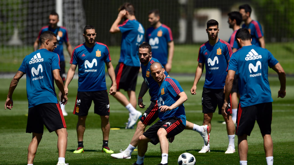 Spain's players attend a training session at Krasnodar Academy on June 12, 2018, ahead of the Russia 2018 World Cup football tournament. / AFP PHOTO / Pierre-Philippe MARCOU