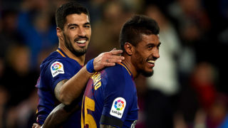 BARCELONA, SPAIN - DECEMBER 17:  Paulinho (R) of Barcelona celebrates scoring his team's second goal with his teammate Luis Suarez during the La Liga match between Barcelona and Deportivo de La Coruna at Camp Nou on December 17, 2017 in Barcelona, Spain.  (Photo by Manuel Queimadelos Alonso/Getty Images)