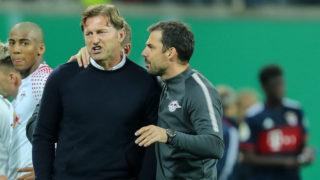LEIPZIG, GERMANY - OCTOBER 25: head coach Ralph Hasenhuettl of Leipzig speak with co- coach Zsolt Loew of Leipzig during the DFB Cup round 2 match between RB Leipzig and Bayern Muenchen at Red Bull Arena on October 25, 2017 in Leipzig, Germany. (Photo by TF-Images/TF-Images via Getty Images)