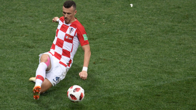 Croatia's forward Ivan Perisic controls the ball during the Russia 2018 World Cup final football match between France and Croatia at the Luzhniki Stadium in Moscow on July 15, 2018. / AFP PHOTO / GABRIEL BOUYS / RESTRICTED TO EDITORIAL USE - NO MOBILE PUSH ALERTS/DOWNLOADS