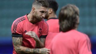 Real Madrid's Spanish defender Sergio Ramos takes part in a trainig session at Lillekula stadium in Tallinn on August 14, 2018, on the eve of the UEFA Super Cup football match Atletico de Madrid vs Real Madrid CF.  / AFP PHOTO / JAVIER SORIANO