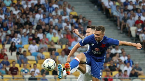 Slavia Prague's  Stanislav Tecl, right, and Dynamo Kiev's Tamas Kadar, in the fight for the ball during the return match of the third qualifying round of the Champions League between Dynamo Kiev and Slavia Prague at the Olympic Stadium in Kiev. Ukraine, Tuesday, August 14, 2018 (Photo by Danil Shamkin/NurPhoto)
