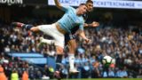 Manchester City's French defender Aymeric Laporte (L) vies with Fulham's Serbian striker Aleksandar Mitrovic during the English Premier League football match between Manchester City and Fulham at the Etihad Stadium in Manchester, north west England, on September 15, 2018. / AFP PHOTO / Oli SCARFF / RESTRICTED TO EDITORIAL USE. No use with unauthorized audio, video, data, fixture lists, club/league logos or 'live' services. Online in-match use limited to 120 images. An additional 40 images may be used in extra time. No video emulation. Social media in-match use limited to 120 images. An additional 40 images may be used in extra time. No use in betting publications, games or single club/league/player publications. /
