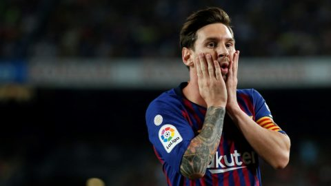 Barcelona's Argentinian forward Lionel Messi gestures during the Spanish league football match between FC Barcelona and Girona FC at the Camp Nou stadium in Barcelona on September 23, 2018. / AFP PHOTO / Pau Barrena