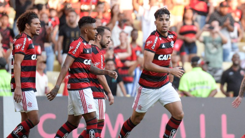 Lucas Paquetá, a Flamengo player celebrates the goal during a match against Atletico Mineiro in a game valid for the twenty - sixth round of the Brazilian Championship 2018 at the stadium of Maracanã in Rio de Janeiro, on Sunday, 23. (PHOTO: CLEVER FELIX/BRAZIL PHOTO PRESS)