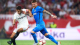 SEVILLE, SPAIN - SEPTEMBER 16:  Jesus Navas of Sevilla FC (L) competes for the ball with Vitorino Antunes of Getafe CF (R) during the La Liga match between Sevilla FC and Getafe CF at Estadio Ramon Sanchez Pizjuan on September 16, 2018 in Seville, Spain.  (Photo by Aitor Alcalde Colomer/Getty Images)