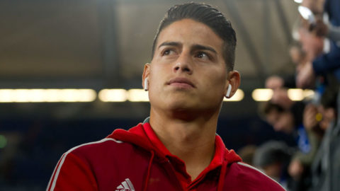 GELSENKIRCHEN, GERMANY - SEPTEMBER 22: James Rodriguez of Bayern Muenchen looks on prior the Bundesliga match between FC Schalke 04 and FC Bayern Muenchen at Veltins-Arena on September 22, 2018 in Gelsenkirchen, Germany. (Photo by TF-Images/Getty Images)