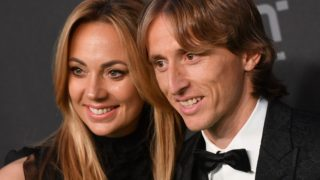 5645576 24.09.2018 Real Madrid's Luka Modric of Croatia with his wife arrive for the Best FIFA 2018 Awards in London, England, September 24, 2018.arrives for the Best FIFA 2018 Awards in London, England, September 24, 2018. Alexey Filippov / Sputnik