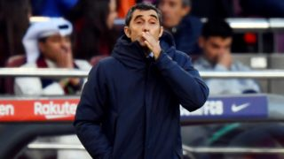 Barcelona's Spanish coach Ernesto Valverde gestures during the Spanish league football match between FC Barcelona and Real Madrid CF at the Camp Nou stadium in Barcelona on October 28, 2018. (Photo by GABRIEL BOUYS / AFP)