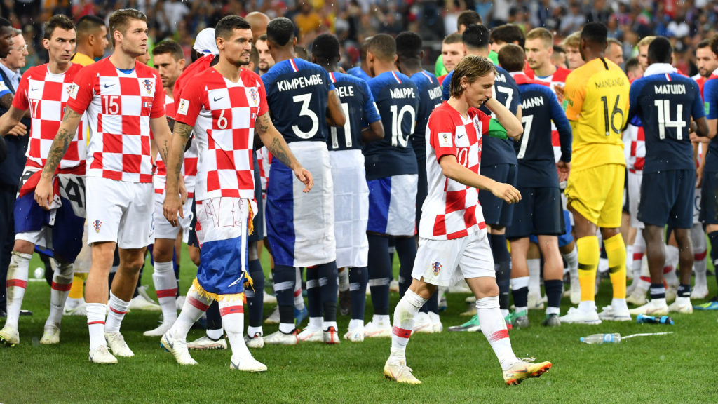 Croatian players at the award ceremony, Victory Ceremony. Disappointment, frustrated, disappointed, frustrated, dejected, Luka MODRIC (CRO), Dejan LOVREN (CRO). Duje CALETA-CAR (CRO). Mario MANDZUKIC (CRO). France (FRA) - Croatia (CRO) 4-2, Final, Game 64, on 15.07.2018 in Moscow; Luzhniki Stadium. Football World Cup 2018 in Russia from 14.06. - 15.07.2018. | usage worldwide