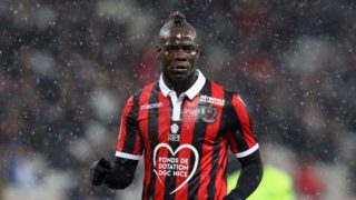 """Nice's Italian forward Mario Balotelli reacts during the French L1 football match between Nice and Lille at The """"Allianz Riviera"""" Stadium in Nice, south-eastern France on November 25, 2018. (Photo by VALERY HACHE / AFP)"""