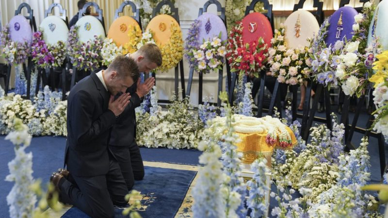 Leicester City's Jamie Vardy, and officials of English Premier League club Leicester City participate in the funeral Thai businessman Vichai Srivaddhanaprabha's funeral in Bangkok, Thailand November 5, 2018. Photo by King Power (Photo by Anusak Laowilas/NurPhoto)