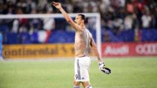 CARSON, CA - JULY 29: Zlatan Ibrahimovic #9 of the Los Angeles Galaxy waives to the crowd at StubHub Center on July 29, 2018 in Carson, California. (Photo by Katharine Lotze/Getty Images)