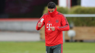 MUNICH, GERMANY - OCTOBER 31: James Rodriguez of Bayern Muenchen wears a mask over his face during a training session at Saebener Strasse training ground on October 31, 2018 in Munich, Germany. (Photo by Christian Kaspar-Bartke/Bongarts/Getty Images)