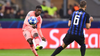 MILAN, ITALY - NOVEMBER 06: Ousmane Dembele takes a shot on goal during the Group B match of the UEFA Champions League between FC Internazionale and FC Barcelona at San Siro Stadium on November 6, 2018 in Milan, Italy. (Photo by Lukasz Laskowski/PressFocus/MB Media/Getty Images)