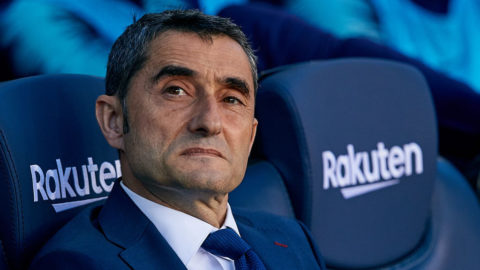 BARCELONA, SPAIN - NOVEMBER 11: Ernesto Valverde head coach of FC Barcelona looks on prior to the La Liga match between FC Barcelona and Real Betis Balompie at Camp Nou on November 11, 2018 in Barcelona, Spain. (Photo by David Aliaga/MB Media/Getty Images)