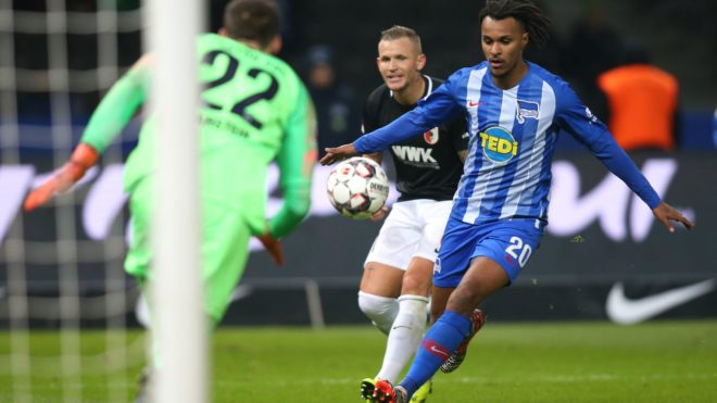 18 December 2018, Berlin: Soccer: Bundesliga, 16th matchday, Hertha BSC - FC Augsburg in the Olympiastadion Berlin. Valentino Lazaro of Hertha BSC presents the ball at 2-1. Photo: Andreas Gora/dpa - IMPORTANT NOTE: In accordance with the requirements of the DFL Deutsche Fußball Liga or the DFB Deutscher Fußball-Bund, it is prohibited to use or have used photographs taken in the stadium and/or the match in the form of sequence images and/or video-like photo sequences.