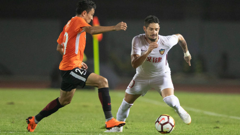 BEIJING, CHINA - AUGUST 12:  Alexandre Pato #10 of Tianjin Quanjian in action during the 2018 Chinese Super League match between Beijing Renhe and Tianjin Quanjian at Beijing Fengtai Stadium on August 12, 2018 in Beijing, China.  (Photo by Fred Lee/Getty Images)