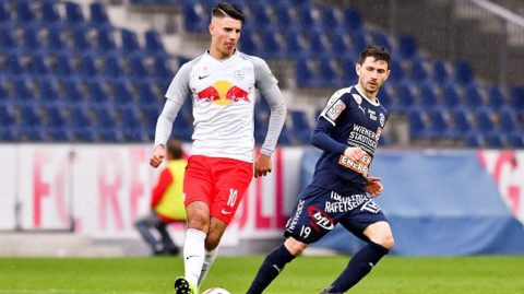 WALS BEI SALZBURG, AUSTRIA - OCTOBER 27: Dominik Szoboszlai of Liefering and Mirnes Becirovic of FAC Wien compete for the ball during the 2. Liga match between FC FC Liefering v FAC Wien at Red Bull Arena on October 27, 2018 in Wals bei Salzburg, Austria. (Photo by Franz Kirchmayr/SEPA.Media /Getty Images)