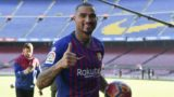 Barcelona's new Ghanaian forward Kevin-Prince Boateng gives a thumbs-up as he arrives for his official presentation at the Camp Nou stadium in Barcelona on January 22, 2019. - Boateng has vowed to make the most of his shock arrival at Barcelona, after a loan move for the journeyman from Italian side Sassuolo was sealed. (Photo by LLUIS GENE / AFP)