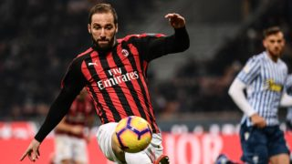 (FILES) In this file photo taken on December 29, 2018 AC Milan's Argentinian striker Gonzalo Higuain controls the ball during the Italian Serie A football match AC Milan vs Spal at San Siro stadium in Milan. - Chelsea are in final talks to sign Juventus striker Gonzalo Higuain, head coach Maurizio Sarri said on Wednesday, January 23, 2019 as he looks to bolster his team's firepower. (Photo by Marco BERTORELLO / AFP)