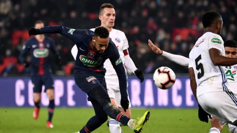 Paris Saint-Germain's Brazilian forward Neymar plays the ball during the French Cup round of 32 football match between Paris Saint-Germain (PSG) and Strasbourg (RCS) at the Parc des Princes stadium in Paris on January 23, 2019. (Photo by FRANCK FIFE / AFP)
