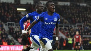 Everton's Senegalese midfielder Idrissa Gueye celebrates after scoring their first goal during the English Premier League football match between Bournemouth and Everton at the Vitality Stadium in Bournemouth, southern England on December 30, 2017. (Photo by Glyn KIRK / AFP) / RESTRICTED TO EDITORIAL USE. No use with unauthorized audio, video, data, fixture lists, club/league logos or 'live' services. Online in-match use limited to 75 images, no video emulation. No use in betting, games or single club/league/player publications. /