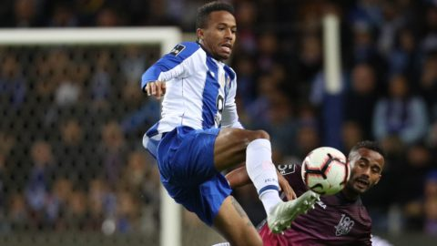 Porto's Brazilian defender Eder Militao (L) vies with Feirense's Brazilian defender Edson Farias (R) during the Premier League 2018/19 match between FC Porto and CD Feirense, at Dragao Stadium in Porto on October 28, 2018. (Photo by Paulo Oliveira / DPI / NurPhoto)