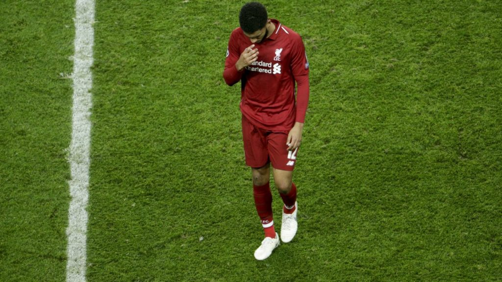 Liverpool's English defender Joe Gomez reacts after the UEFA Champions League Group C football match between Paris Saint-Germain (PSG) and Liverpool FC at the Parc des Princes stadium, in Paris, on November 28, 2018. (Photo by Geoffroy VAN DER HASSELT / AFP)