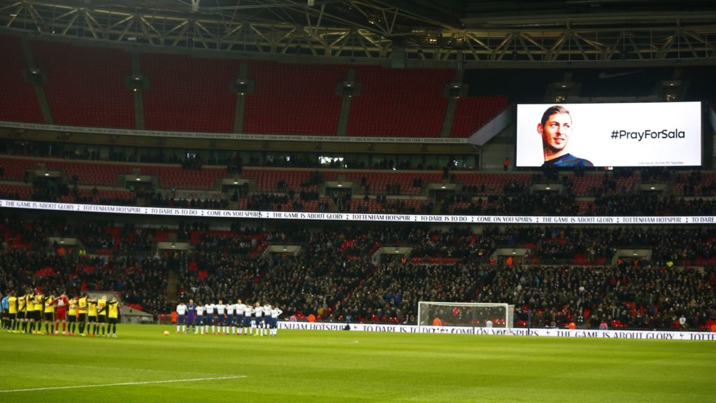The two sets of players observed a minute's silence for missing Cardiff City striker Emiliano Sala who disappeared last week during during English Premier League  between Tottenham Hotspur and Watford at Wembley stadium, London, England on 30 January 2019.  (Photo by Action Foto Sport/NurPhoto)