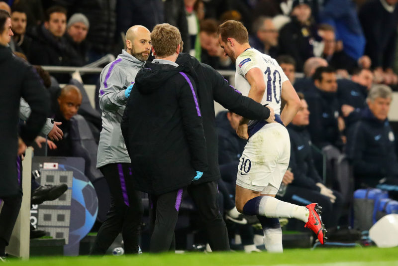 LONDON, ENGLAND - APRIL 09: Harry Kane of Tottenham Hotspur leaves the field through injury during the UEFA Champions League Quarter Final first leg match between Tottenham Hotspur and Manchester City at Tottenham Hotspur Stadium on April 09, 2019 in London, England. (Photo by Chris Brunskill/Fantasista/Getty Images)