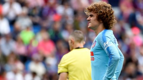 Atletico Madrid's French forward Antoine Griezmann reacts during the Spanish League football match between Levante and Atletico Madrid at the Ciutat de Valencia stadium in Valencia on May 18, 2019. (Photo by JOSE JORDAN / AFP)