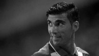 (FILES) In this file photo taken on August 21, 2015 Sevilla's forward Jose Antonio Reyes looks on during the Spanish league football match Malaga CF vs Sevilla FC at La Rosaleda stadium in Malaga. - Former Arsenal, Real Madrid and Spain star Reyes has been killed in a car crash, his hometown club Sevilla said on June 1, 2019. Reyes, who shot to fame at Sevilla before a switch to Arsenal before spells at Real and Atletico Madrid, was 35 and on the books with second tier Spanish club Extremadura. (Photo by Jorge Guerrero / AFP)