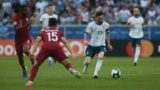 RSC - Porto Alegre - 06/23/2019 - Copa America 2019, Qatar x Argentina - Bassam Alrawi of Qatar plays host to Messi from Argentina during match at Arena do Gremio Stadium for Copa America 2019 Photo: Guilherme Hahn / AGIF