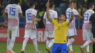 Brazil's Thiago Silva celebrates after defeating Paraguay in the penalty shoot-out after tying 0-0 during their Copa America football tournament quarter-final match at the Gremio Arena in Porto Alegre, Brazil, on June 27, 2019. (Photo by Luis ACOSTA / AFP)
