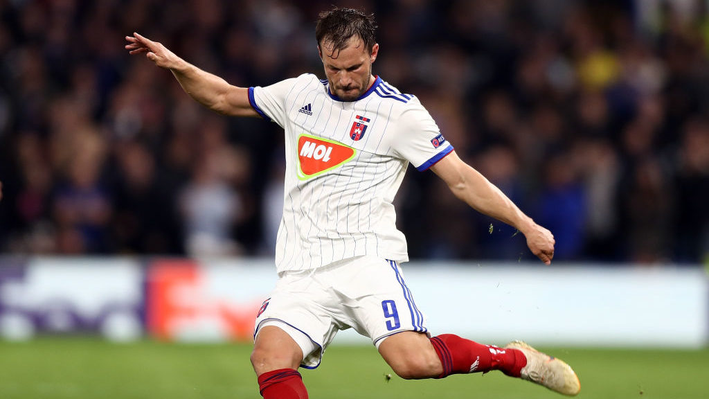 LONDON, ENGLAND - OCTOBER 04:  Szabolcs Huszti of Vidi FC in action during the UEFA Europa League Group L match between Chelsea and Vidi FC at Stamford Bridge on October 4, 2018 in London, United Kingdom.  (Photo by Bryn Lennon/Getty Images)