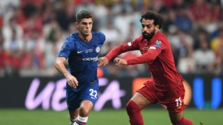 Chelsea's US midfielder Christian Pulisic (L) vies for the ball with Liverpool's Egyptian midfielder Mohamed Salah during the UEFA Super Cup 2019 football match between FC Liverpool and FC Chelsea at Besiktas Park Stadium in Istanbul on August 14, 2019. (Photo by OZAN KOSE / AFP)