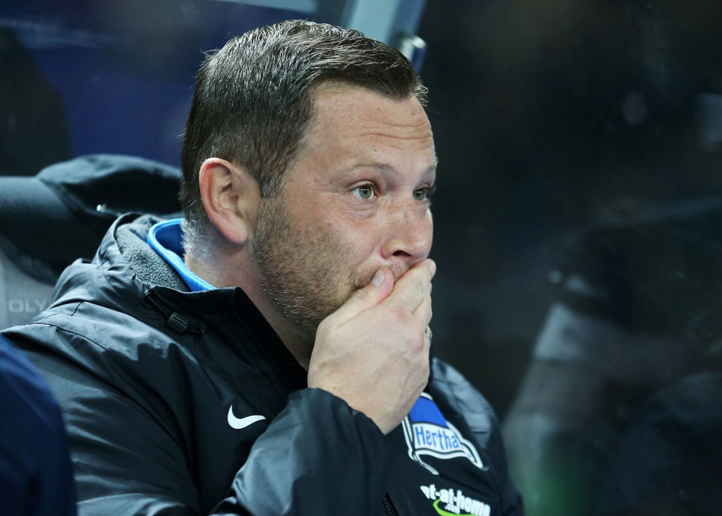 BERLIN, GERMANY - OCTOBER 25:  Head coach Pal Dardai of Berlin looks on prior to the DFB Cup match between Hertha BSC and 1. FC Koeln at Olympiastadion on October 25, 2017 in Berlin, Germany.  (Photo by Matthias Kern/Bongarts/Getty Images)