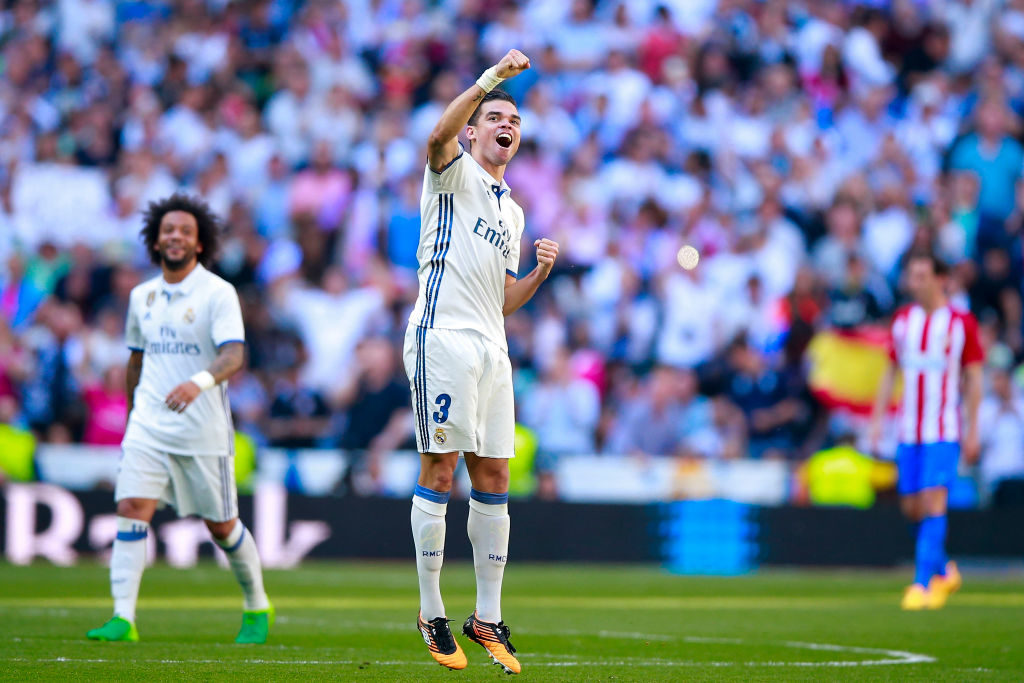 MADRID, SPAIN - APRIL 08: Pepe of Real Madrid CF celebrates scoring their opening goal during the La Liga match between Real Madrid CF and Club Atletico de Madrid at Estadio Santiago Bernabeu on April 8, 2017 in Madrid, Spain.  (Photo by Gonzalo Arroyo Moreno/Getty Images)
