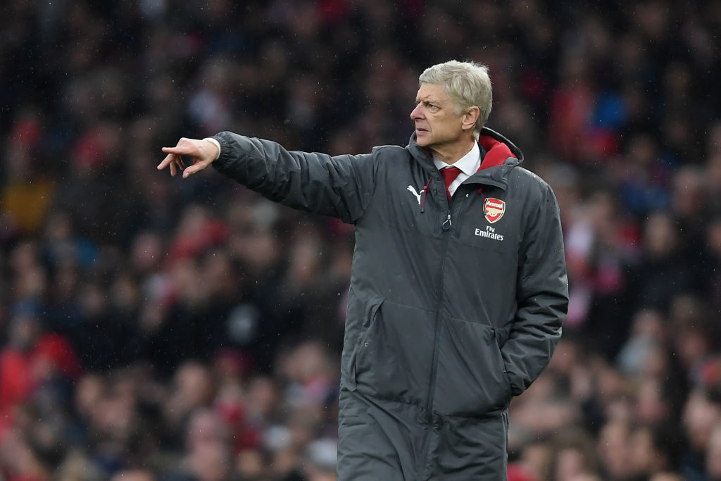 LONDON, ENGLAND - NOVEMBER 18:  Arsenal manager Arsene Wenger points during the Premier League match between Arsenal and Tottenham Hotspur at Emirates Stadium on November 18, 2017 in London, England.  (Photo by Mike Hewitt/Getty Images)